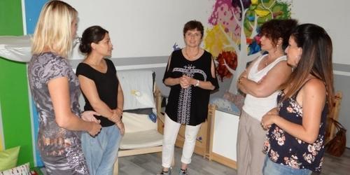 Redessan: visite du maire Fabienne Richard à la maison les z'enfantillages