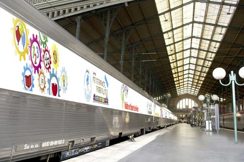Présentation du train de la Petite Enfance et de la parentalité à l'Association des Maires de France