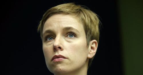 Clémentine Autain veut que l'Assemblée se penche sur la garde des enfants de députés