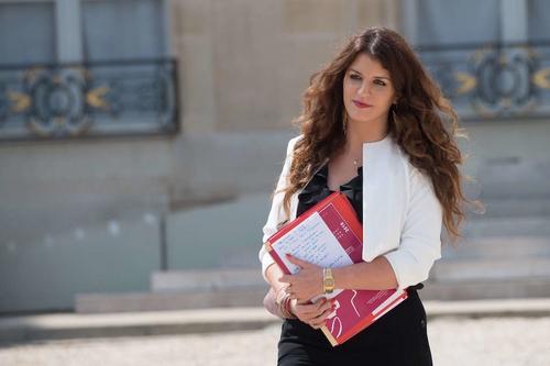Marlène Schiappa a-t-elle tout faux avec son VAE petite enfance pour les jeunes mères ?