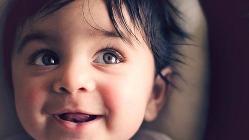 Comment se fait l'acquisition du langage chez le bébé ?