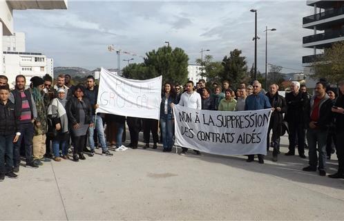 Colère du collectif associatif contre la suppression des emplois aidés
