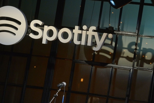 SEC Is Studying Spotify's Plan to Bypass IPO in NYSE Listing