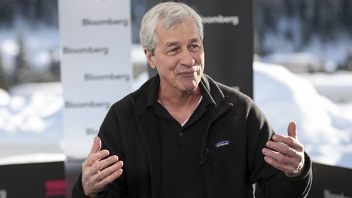 Jamie Dimon signs on for another five years as JPMorgan chief and ups annual tech spend to $10.8bn