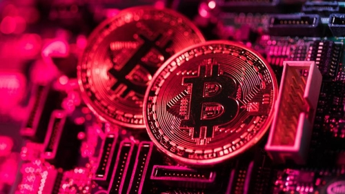 Bitcoin poses awkward dilemma for wealth managers