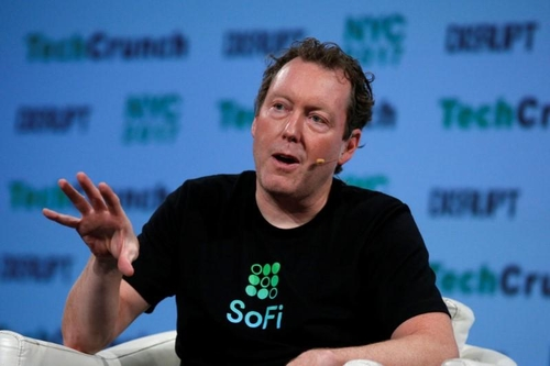 SoFi CEO Cagney to step down