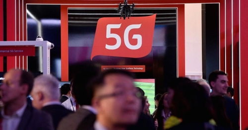China 'has the edge' in the war for 5G