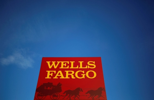 U.S. to fine Wells Fargo $1 billion — the most aggressive bank penalty of the Trump era