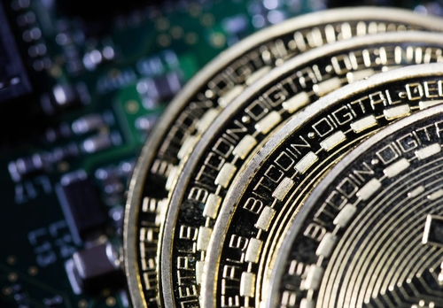 A Verbal Cryptobrawl Breaks Out at Milken Over Bitcoin's Future