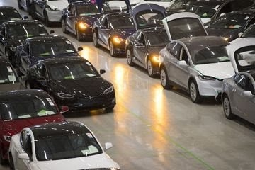 Tesla Partners With Liberty Mutual for Customized Insurance Plan