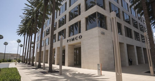 Pimco Goes Small to Get Big in Private Equity