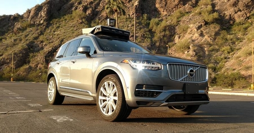 Insurers Race to Develop Coverage for Driverless Cars