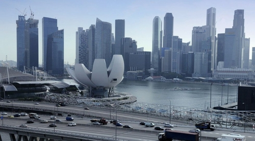 Singapore-HK rivalry undermining Asia's bid for $100b fintech market  Read more at: https://www.deal