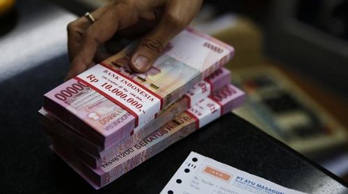 Indonesia's fintech lending surge takes advantage of deficit in bank credit