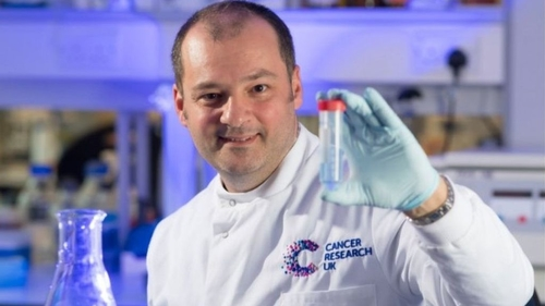 Cardiff scientist to 'train' virus to fight ovarian cancer
