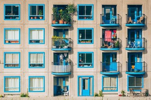 Airbnb versus temporary housing