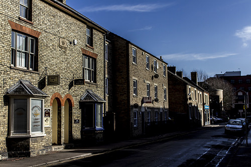 UK house prices growth at 3.3%, says Halifax