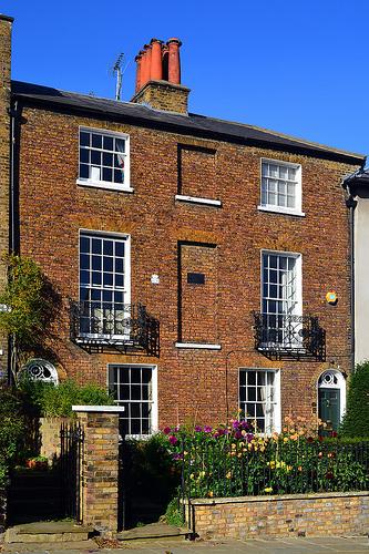 Value of UK housing stock crosses £6 mark: Halifax