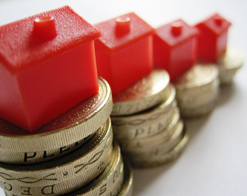 UK annual house price growth up 3.2%