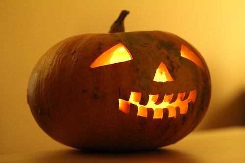 Don't let the fraudsters trick you into giving them a treat this Halloween !