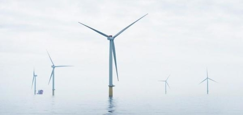 World's first offshore wind farm + battery switched on in Scotland
