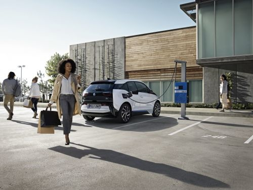 BMW's Plan to Optimize EV Charging With Renewables on the Grid