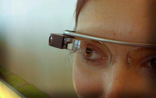 Google glass is back, long live glass!