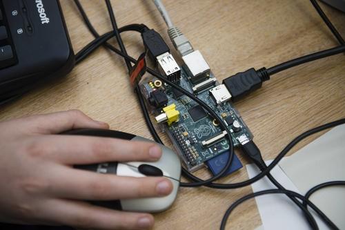 Harry Potter Coding Kit Uses a Magic Wand to Teach Muggle Kids to Code
