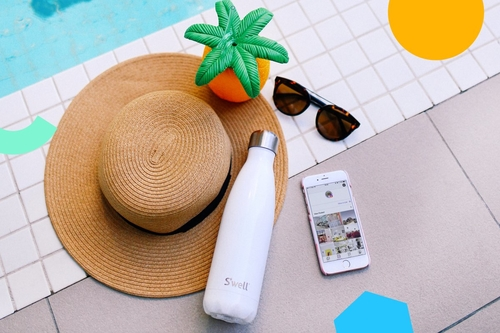 7 tips to taking a holiday when you work in social media