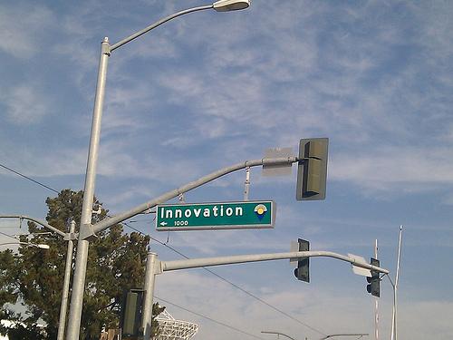 Innovative Rewards to Reward Innovation
