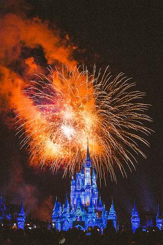Disney to buy entertainment arm of 20th Century Fox