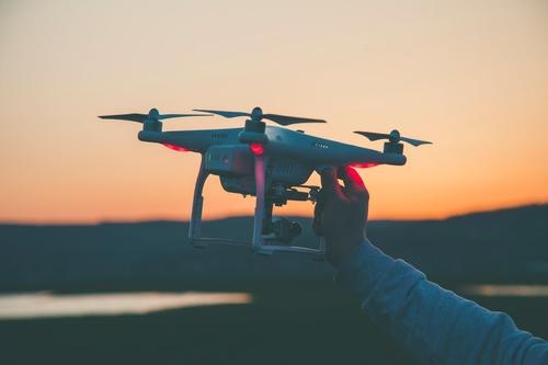 Et si on parlait drones ?