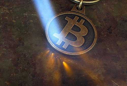 Are Gold Holders Deserting to Bitcoin?