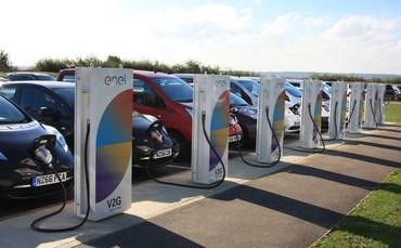 Großbritannien: Nissan installiert erste 'Vehicle to grid' Ladestationen