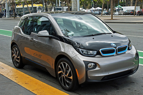 BMW to launch 'grid integrated' and 'solar-optimised' EV charging service next year