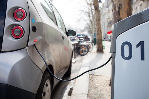 Elektroauto-Schnellladenetz von BMW, Daimler, Ford und VW offiziell genehmigt