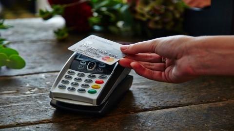 Contactless use in banking grows as 10th anniversary approaches