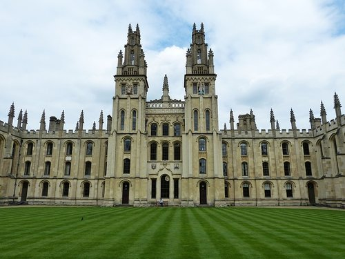 University of Oxford applies to register the trade mark