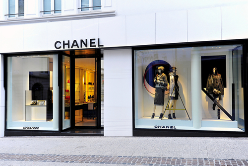 Click and brick working in harmony for Chanel and Farfetch